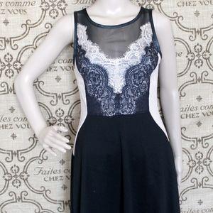 Buffalo Sleeveless Lace Dress
